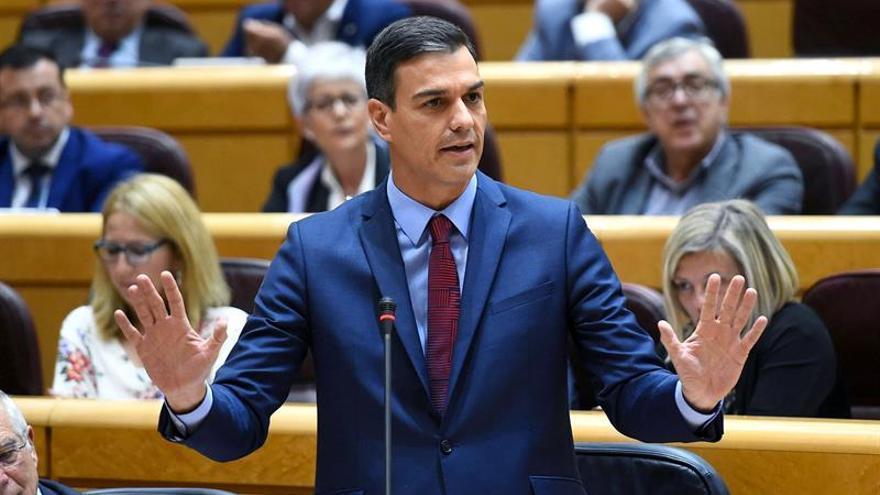 Sánchez confía en traspasar en semanas dos líneas de tren y AP1 a País Vasco