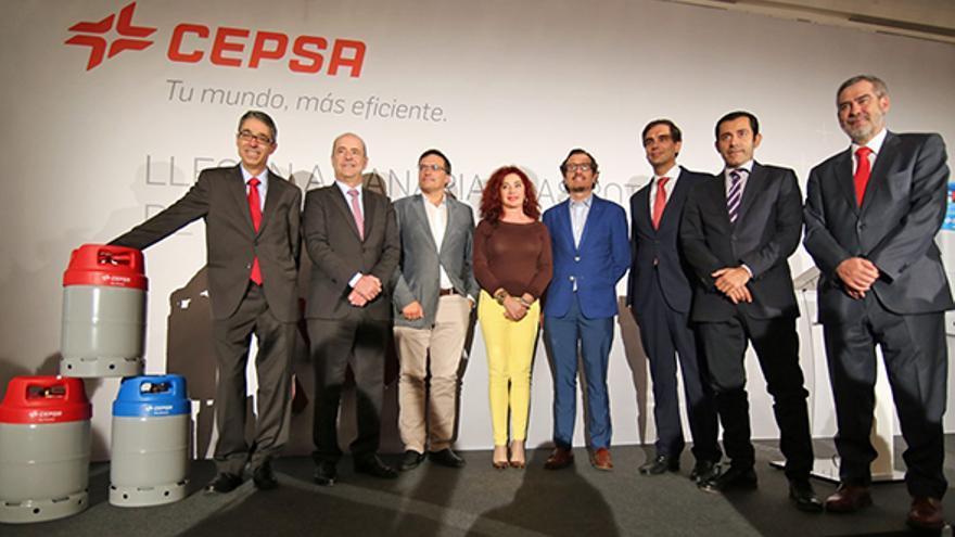 """Las infraestructuras logísticas que Cepsa tiene en el Archipiélago convierten a la empresa en """"crucial"""" para el abastecimiento energético"""