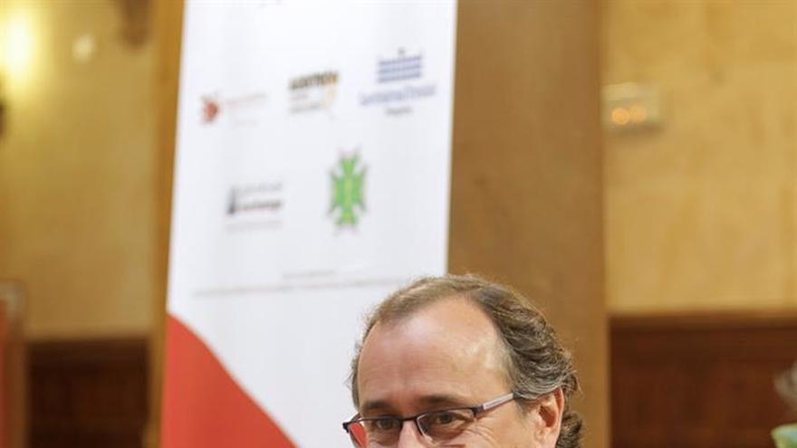 Alonso centra el futuro de la política social en empleo, familia y diálogo