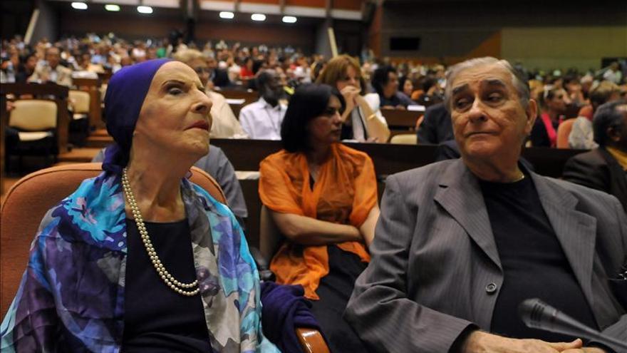 Conceden Premios ALBA a la bailarina Alicia Alonso y al escritor Eduardo Galeano