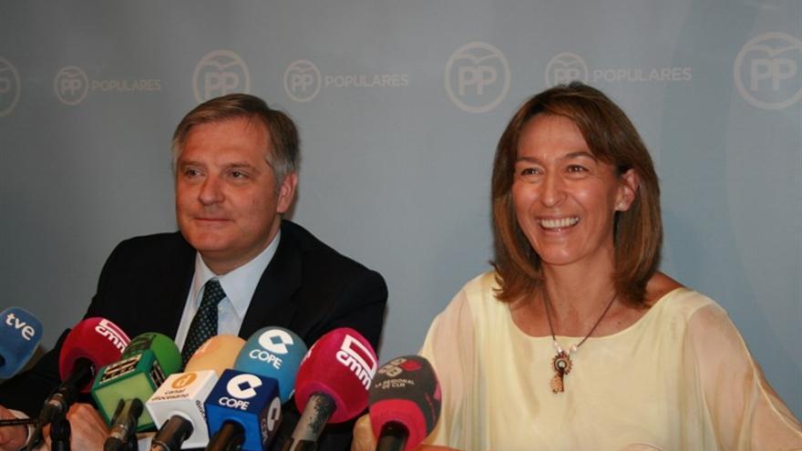 Comparecencia de Ana Guarinos y Francisco Cañizares