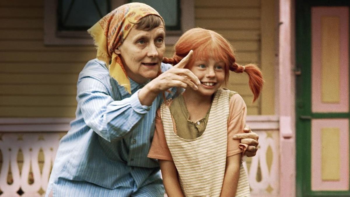 Astrid Lindgren con la actriz que llevó a Pippi a la pantalla, Inger Nilsson.