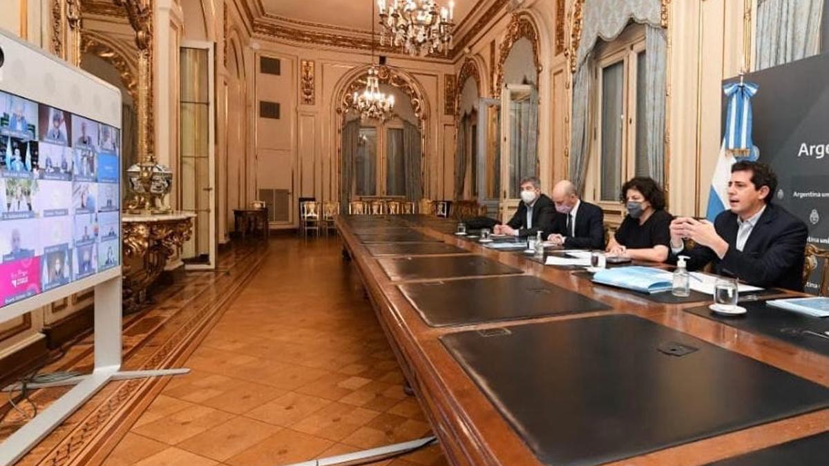 El ministro del Interior, Wado de Pedro, y su par de Salud, Carla Vizzotti, mantienen una reunión con los 23 gobernadores y el Jefe de Gobierno de la Ciudad para analizar el desarrollo de la campaña de vacunación en todo el país.