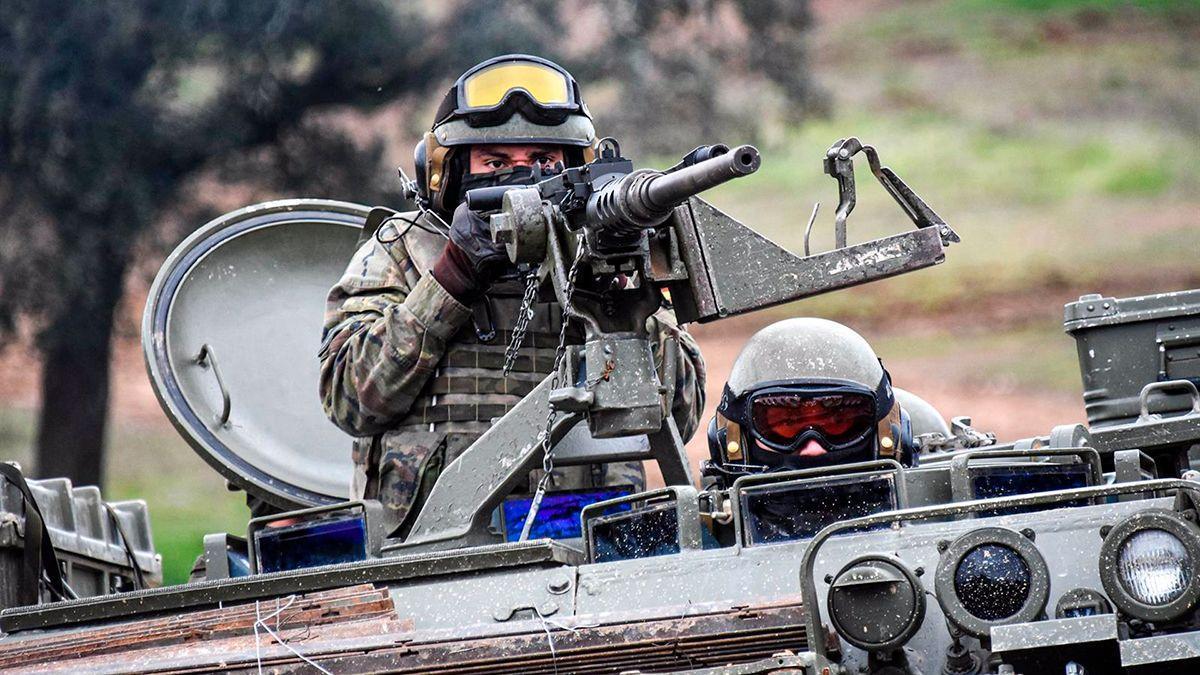 Militares de maniobras en Cerro Muriano.
