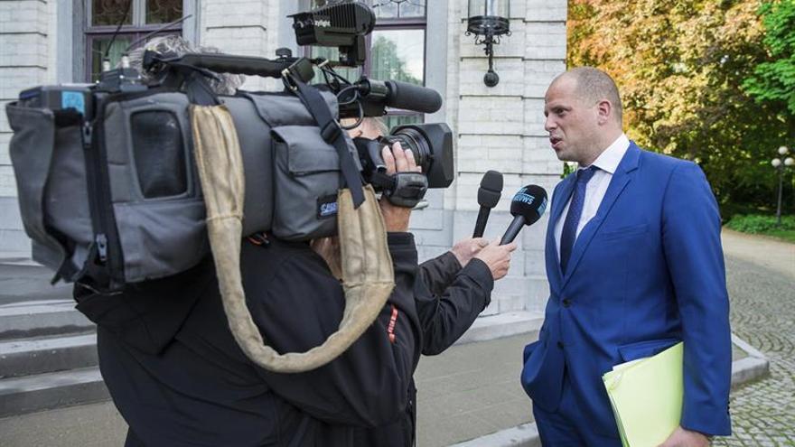 Desalojan la oficina del secretario de Estado belga por un sobre con polvos y una bala