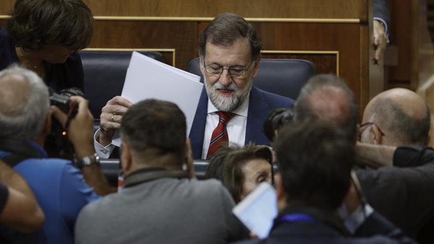 Rajoy aplaza todo diálogo sobre reforma de la Constitución a después del 1-O