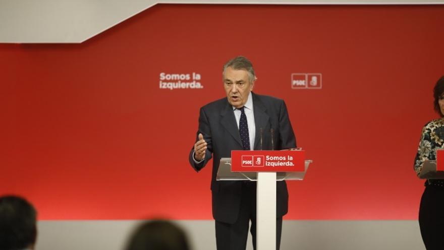 """Escudero (PSOE) dice que Iceta ha planteado un """"deseo"""" que él mismo reconoce que """"no es posible"""""""