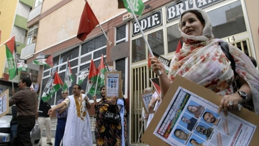 De la concentración de inmigrantes saharauis en el consulado de Marruecos #2