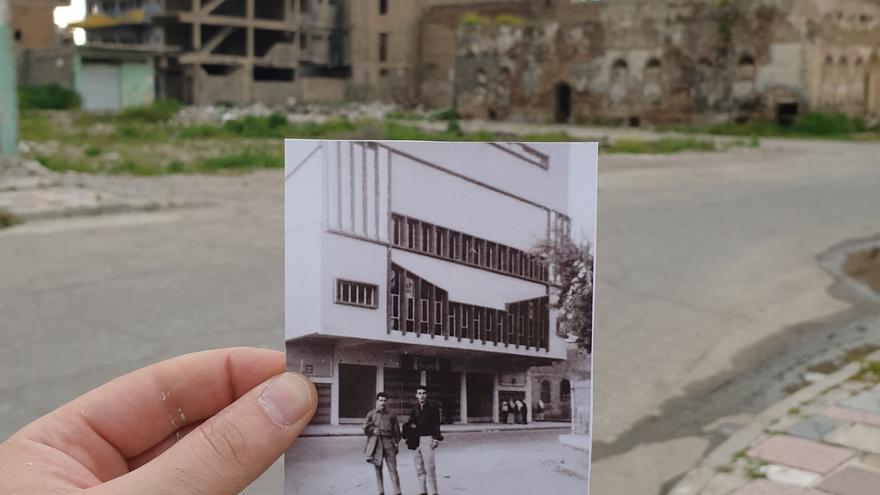 Imagen del cine Sinbad, un edificio de tres plantas inaugurado en 1972.