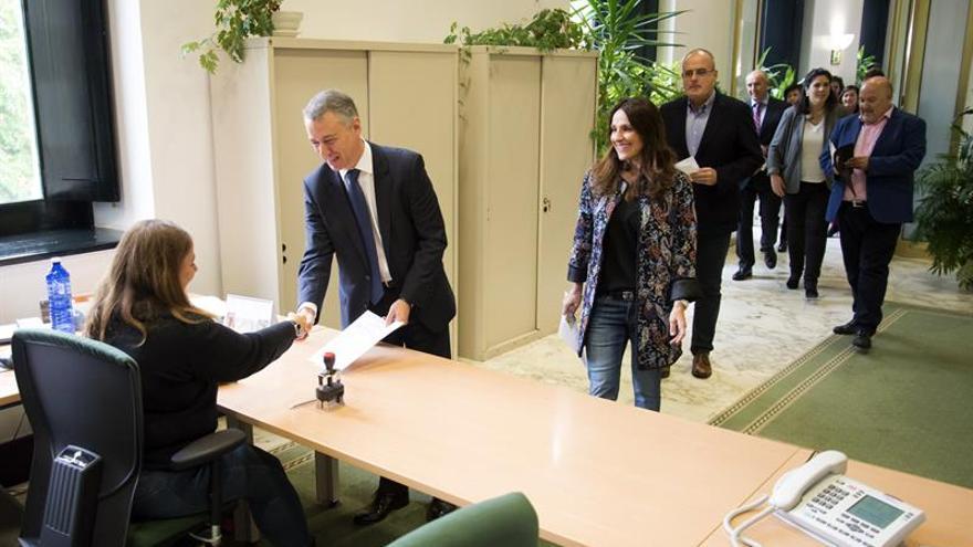 El nuevo Parlamento Vasco se constituirá el viernes 21