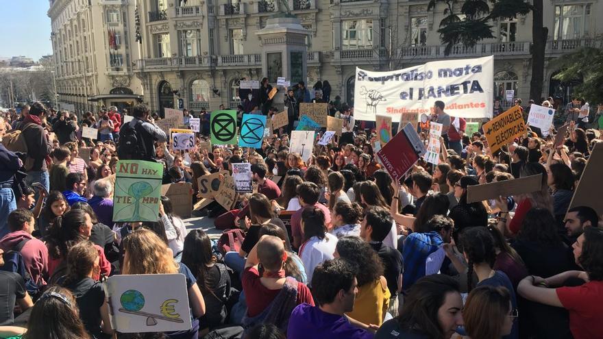 Movilización de jóvenes el pasado viernes 1 de marzo frente al Congreso.