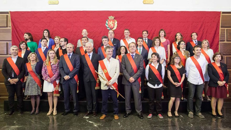 Los concejales del Ayuntamiento de Zaragoza. Foto: Juan Manzanara