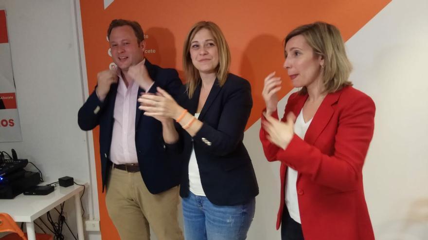 """El PSOE anuncia que dará un """"nuevo impulso"""" a sus pactos con Ciudadanos en tres capitales de la región"""