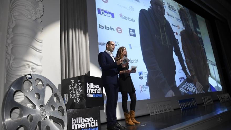 Aitor Elduaien y Naia Díez, en la gala de clausura.