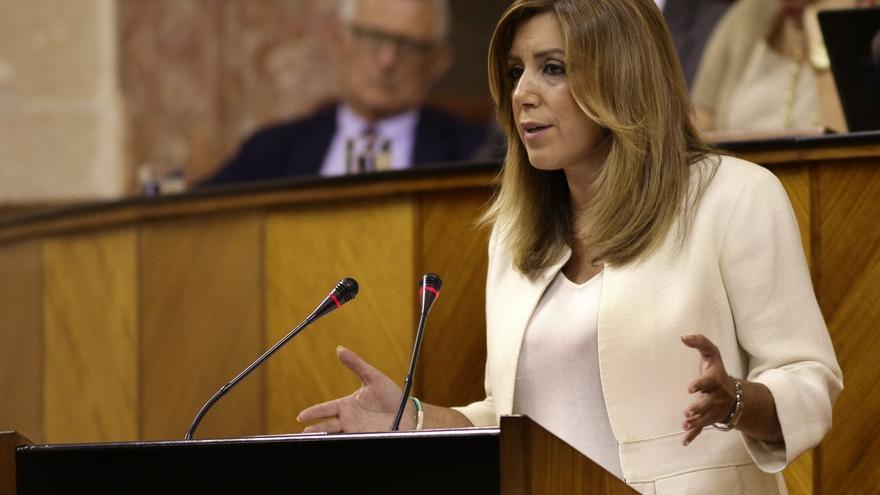 """Susana Díaz reclama a Rajoy que abra ya el diálogo, tras el """"engaño"""" de Mas a los catalanes"""