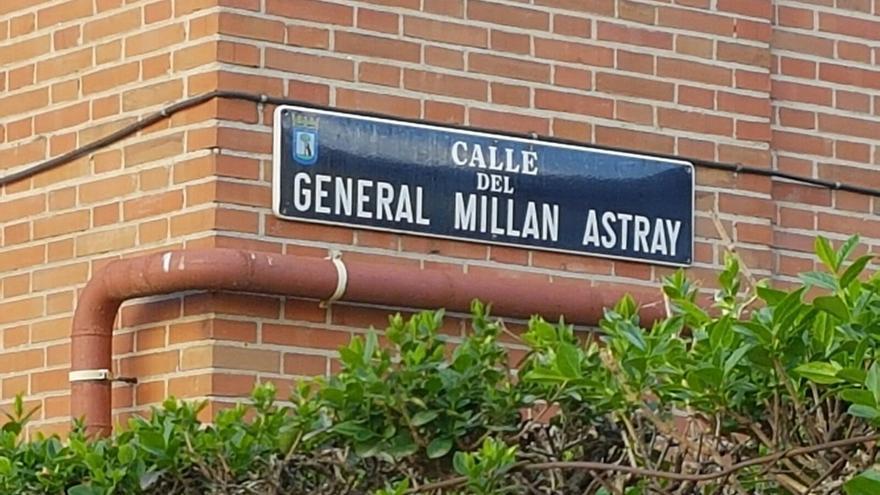 Antiguos legionarios denuncian a Carmena y Sauquillo por el cambio de nombre de la calle Millán Astray en Madrid