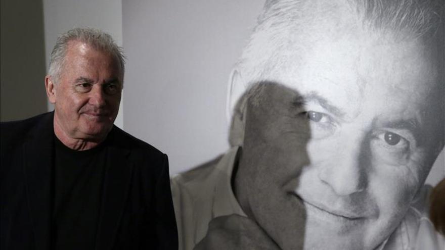 """Víctor Manuel edita sus memorias """"Antes de que sea tarde"""" por miedo a olvidar"""