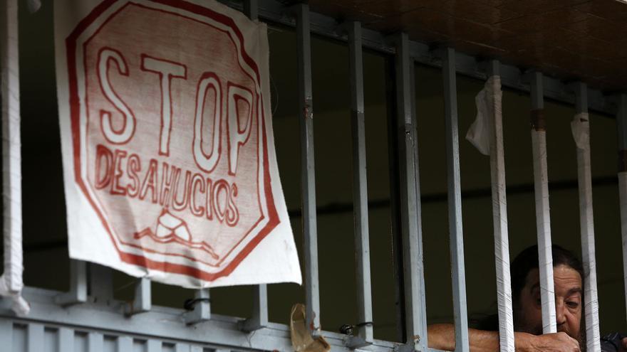 En la vivienda situada en la calle Ofelia Nieto se logra evitar el desalojo. / Olmo Calvo
