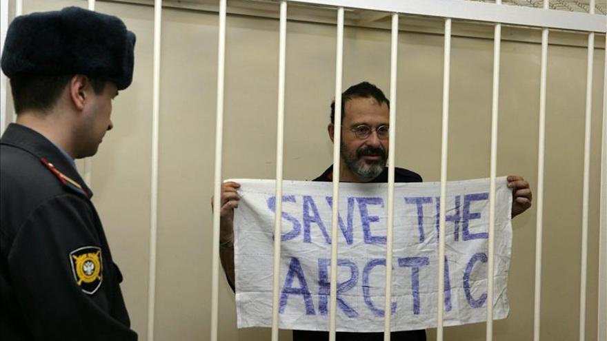 En libertad condicional la mitad de los 30 activistas de Greenpeace detenidos en Rusia