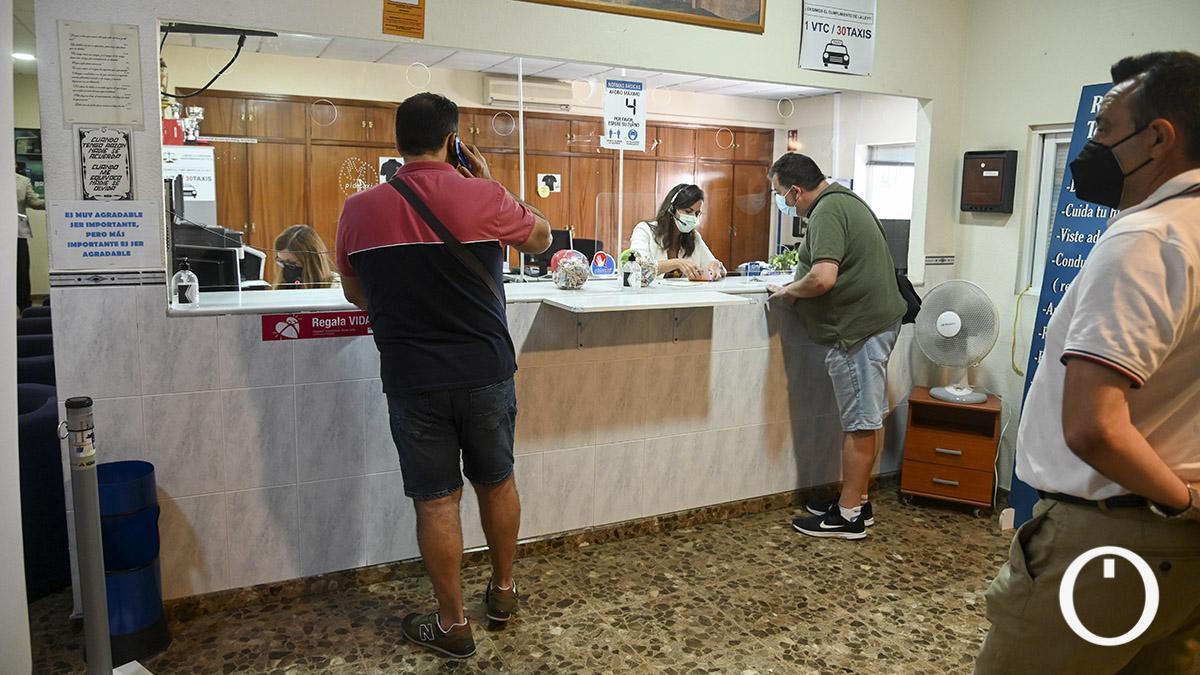Punto de vacunación en la Asociacion Provincial del Taxi (Autacor)