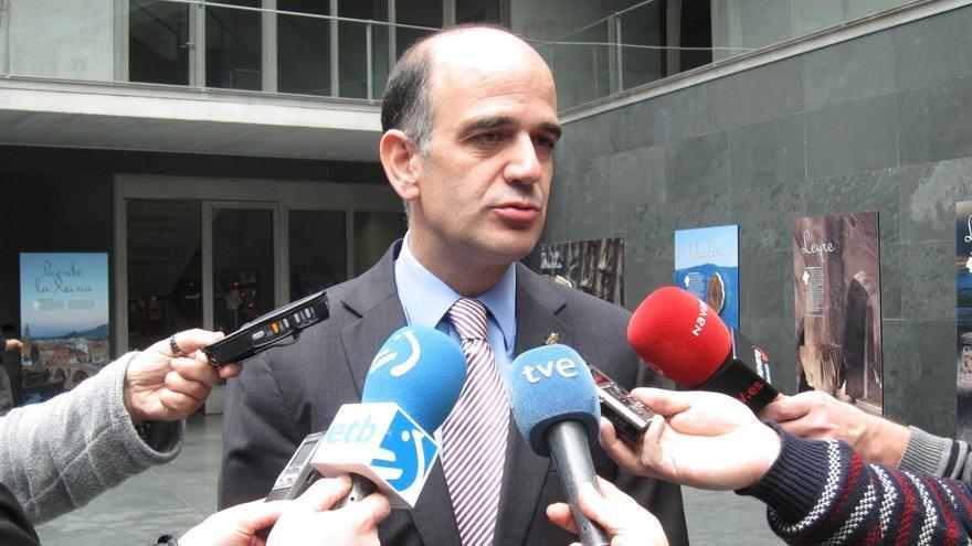 Alberto Catalán registra su candidatura para encabezar la lista de UPN a las elecciones de Navarra