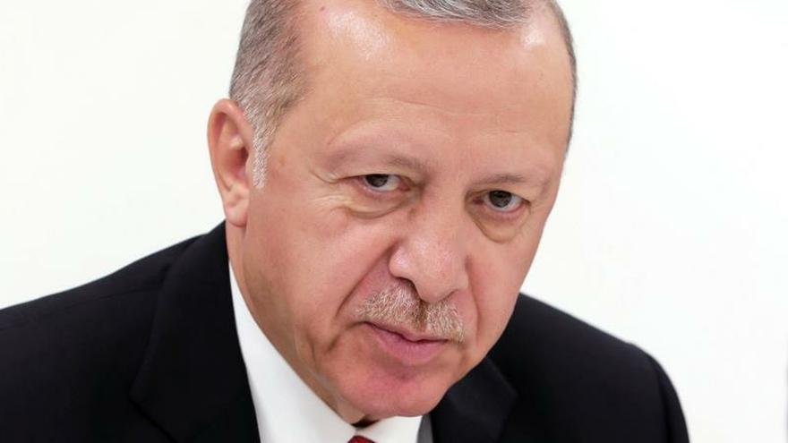 Erdogan aboga por reformar el banco central, tras destituir a su gobernador