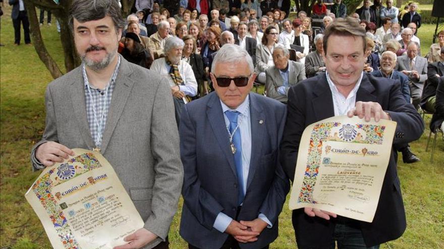 Edicións Laiovento y Miguel Anxo Murado reciben los premios del Pedrón