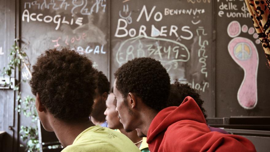 Imagen de archivo: En Roma, desde mediados de julio, Médicos Sin Fronteras ofrece atención psicológica para las personas en tránsito. | Foto:  Sara Creta / MSF.