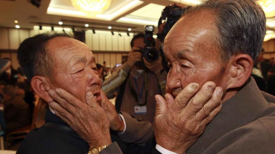 Seúl pide a Pyongyang que responda a su oferta para reunir familias separadas