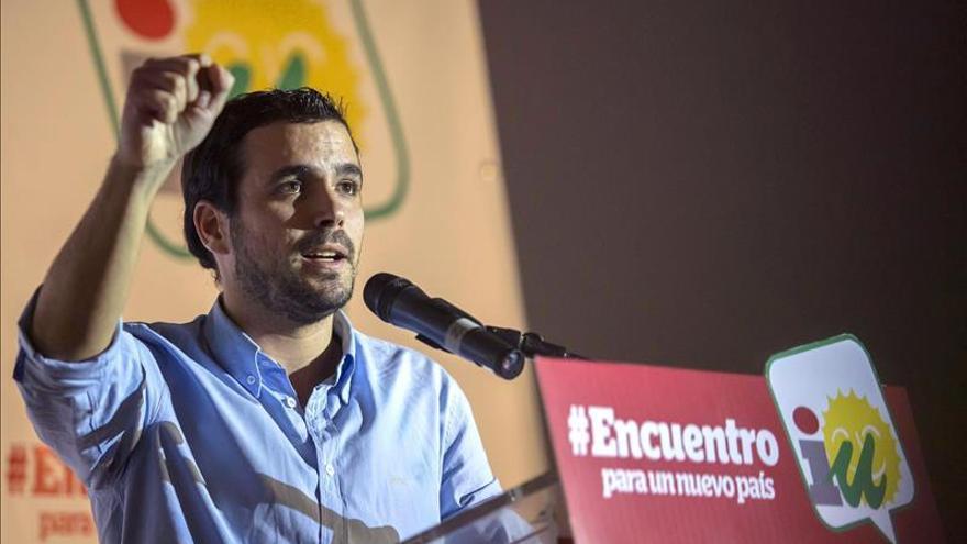 """Garzón, """"sorprendido"""" por el apoyo del PSOE a corregir la reforma constitucional"""