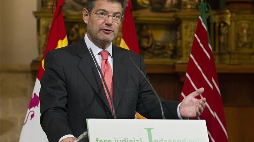 """Catalá: El Gobierno y el TC estarán """"muy vigilantes"""" ante los incumplimientos"""