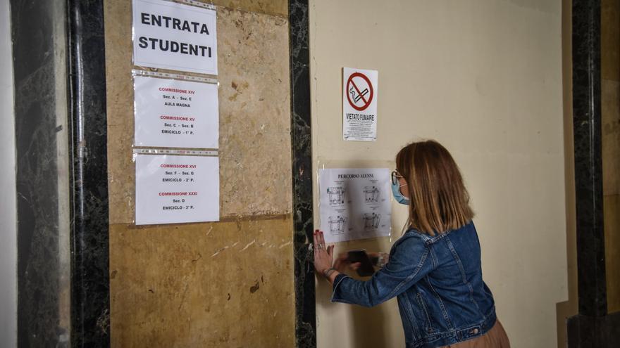 Así comenzará el colegio en Italia: Pupitres individuales y locales externos