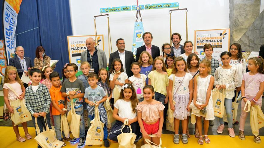 Niños en la entrega de premios de este sábado en el Recinto Ferial de Santa Cruz