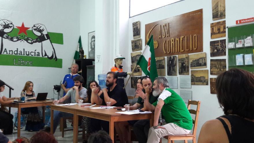El acto a favor del derecho a decidir organizado por el SAT en Sevilla.
