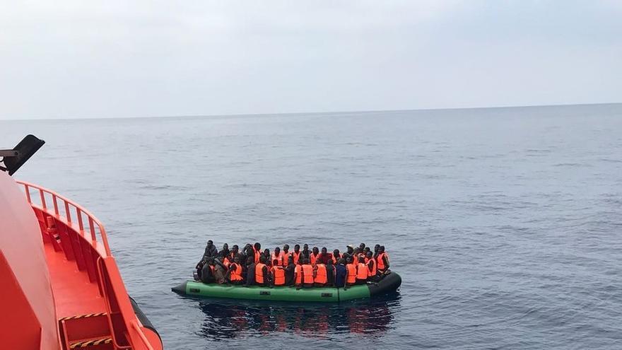 El rescate de 36 personas más en el Estrecho eleva a 524 el número de inmigrantes recogidos del mar