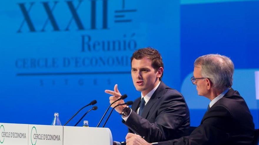 Rivera afirma que si es decisivo habrá gobierno, pero sugiere que sin Rajoy