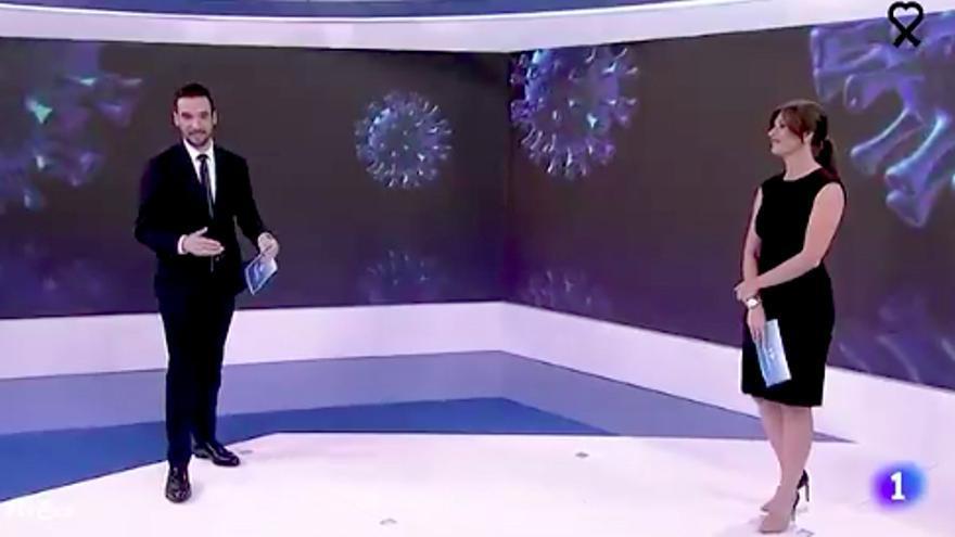 Lluis Guilera, en su último Telediario junto a Lara Siscar