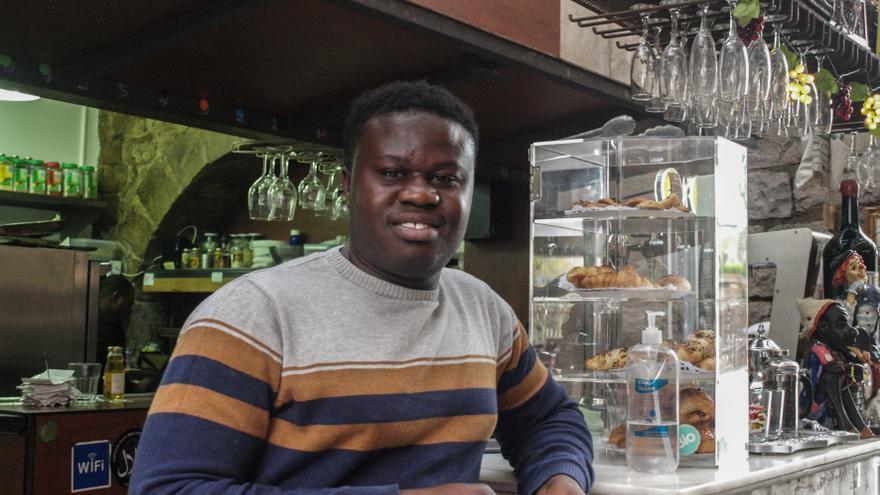 Soly Malamine, que llegó desde Senegal en patera, es el actual coordinador del Espai Mescladís.