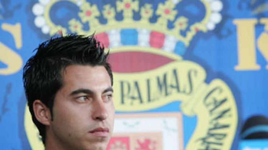 Jorge Larena, el día de su presentación como jugador de la UD Las Palmas. (QUIQUE CURBELO)
