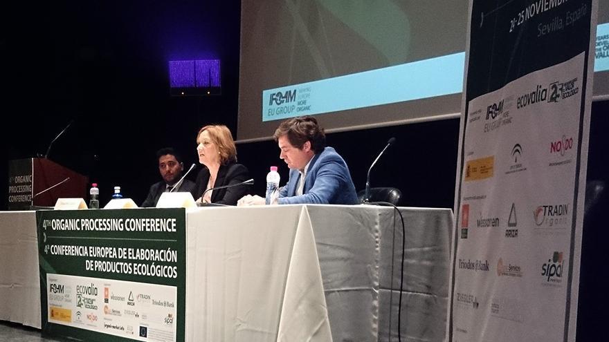 La consejera de Agricultura, Pesca y Desarrollo Rural, Carmen Ortiz, clausura la IV Conferencia Europea de Elaboración de Productos Ecológicos.