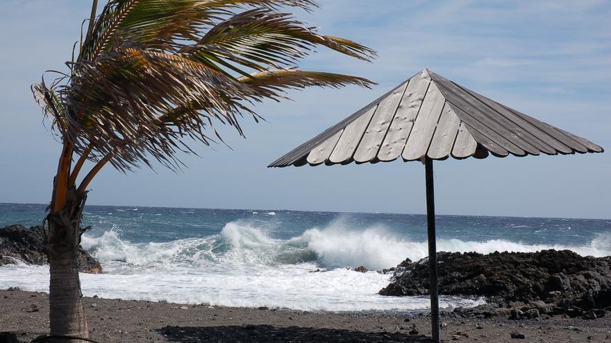 El viento puede superar este domingo los 70-75 km en el  sureste y noroeste y probables lluvias en el norte y este  de La Palma