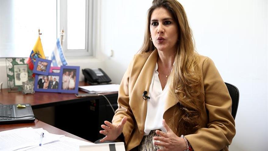 Una legisladora dice que con Assange se retomó el caso contra la excanciller de Ecuador