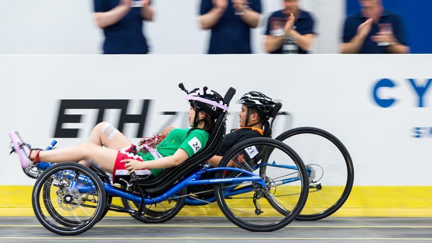 La carrera de bicicletas con electroestimulación funcional será una de las seis competiciones del Cybathlon