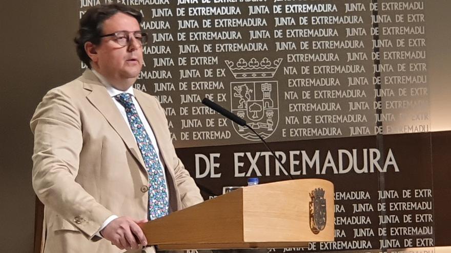 José María Vergeles, dando cuenta de la situación en Navalmoral
