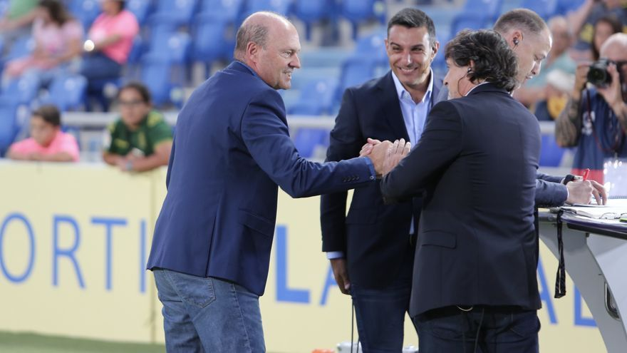 Pepe Mel en los prolegómenos del encuentro Las Palmas-Depor.
