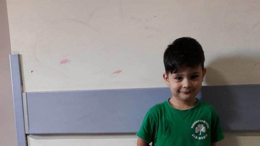 Ilian, tiene una enfermedad rara a cuyo tratamiento no puede acceder en Afganistán