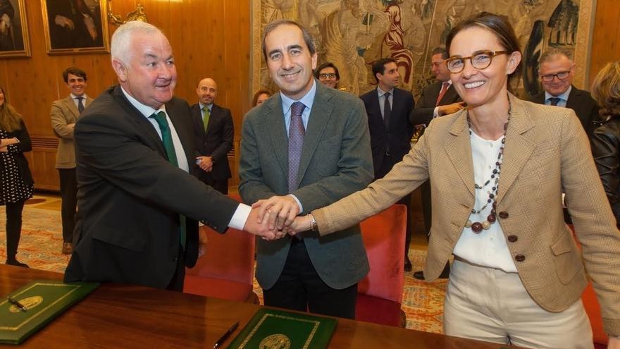 La Universidad de Navarra renueva el convenio de colaboración con Caja Rural, que apoyará diversas actividades