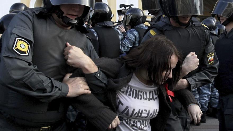 Una veintena de opositores detenidos en Moscú y San Petersburgo por participar en un mitin