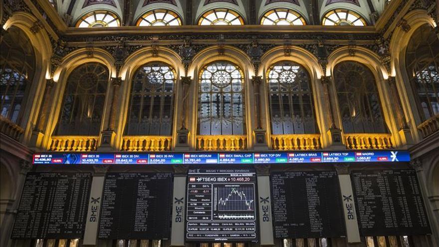 La bolsa española abre en rojo y el IBEX cede un 0,36 por ciento