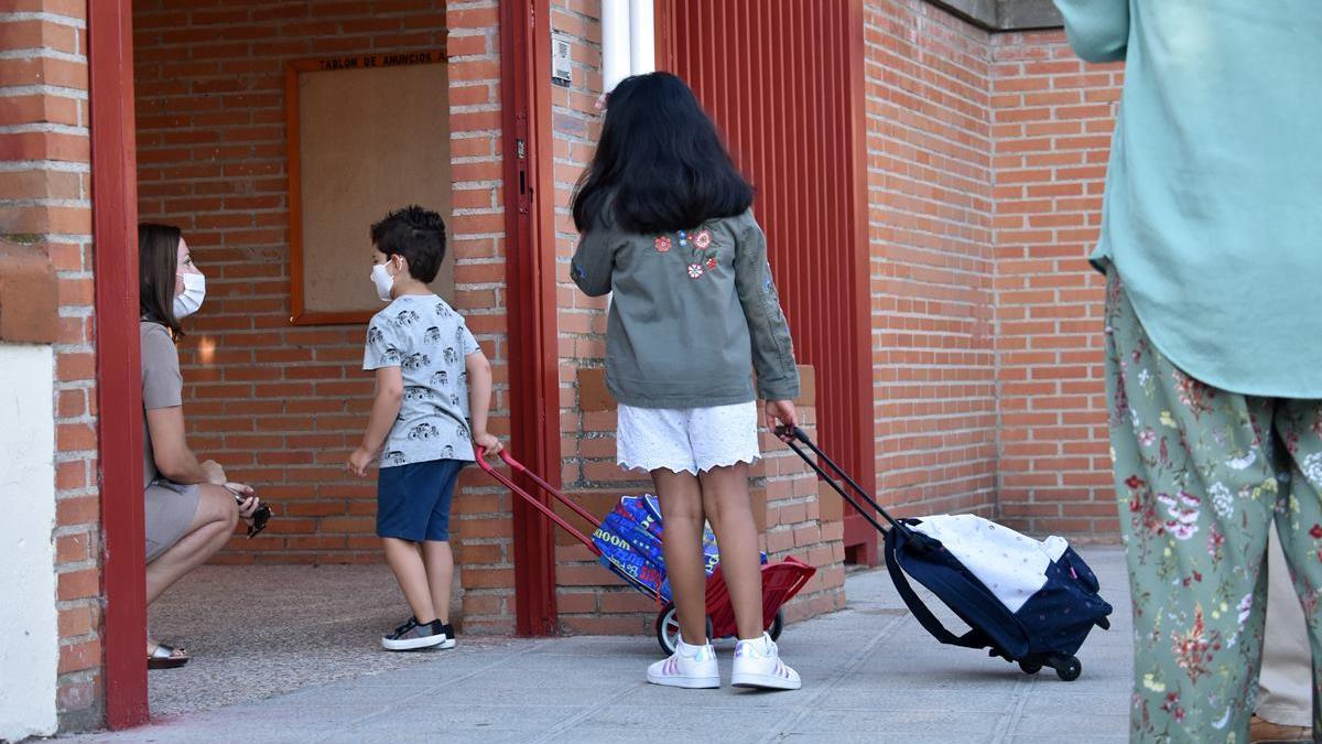 Niños colegio pandemia